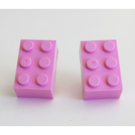 Lego earings pink by the french creator Sno0oze