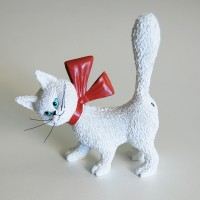 Fun sculpture of cat So cute! -white by the french illustrator Dubout