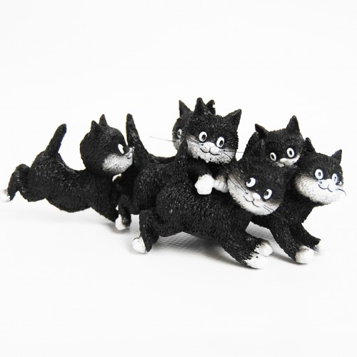 Fun sculpture Cats Playtime by Dubout