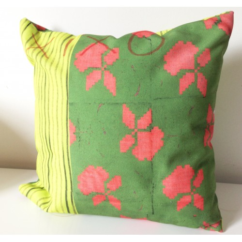 Original cushion Pop Fun Design Flowers in colors by Xixo